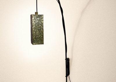 Prototype de lampe en laiton texturé patiné bronze